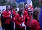 Natalie Brett (centre) avec l'équipe des Falklands à l'île de Man